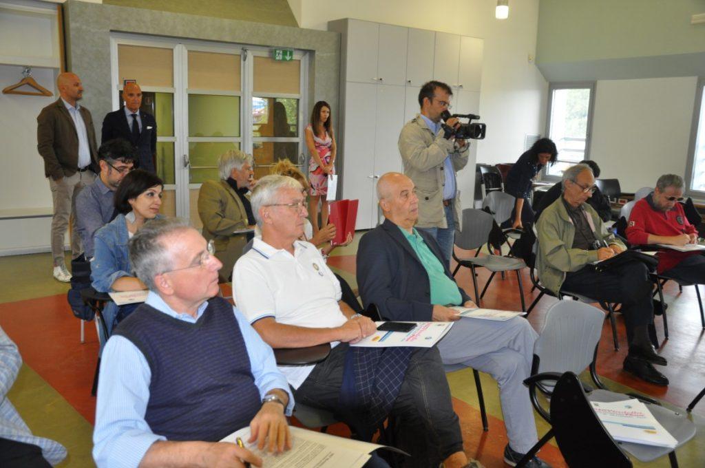 Il gruppo di giornalisti in visita allo stabilimento Felsineo (Medium)