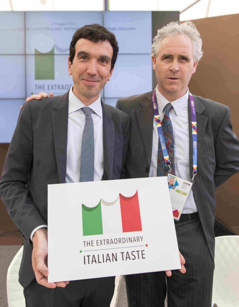 Il Ministro Martina col Presidente del Cosorzio Tutela Formaggio Asiago Fiorenzo Rigoni
